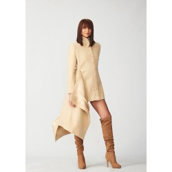 Cashmere coat with moveable trail