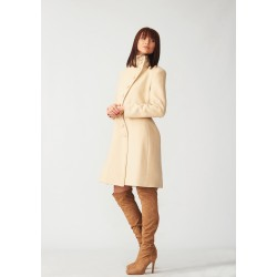 Cashmere coat with a slit on a side
