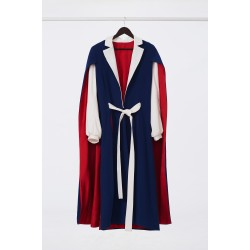 Tailor-made coat with cloak